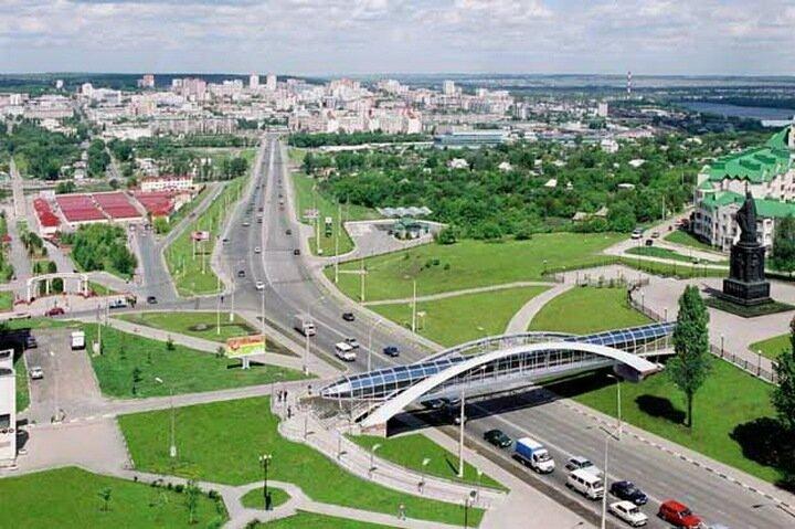 Наша компания осуществляет автомобильные грузоперевозки по маршруту Москва - Белгород.