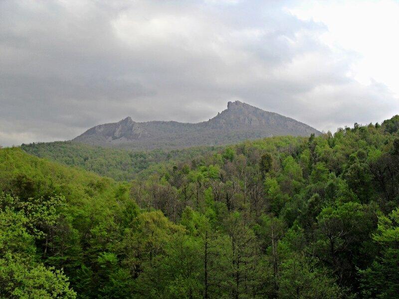 Скалы горы Индюк на горизонте ... SDC15822