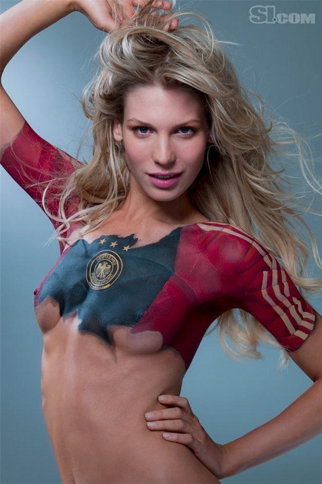 SI soccer girls bodypaint / боди-арт девушки футболистов / Sarah Brandner