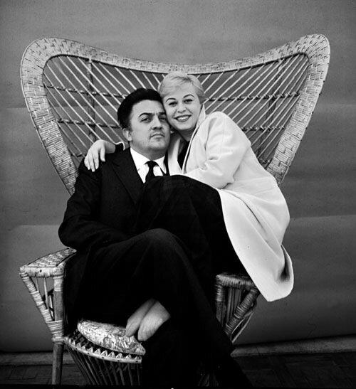 Федерико Феллини с женой