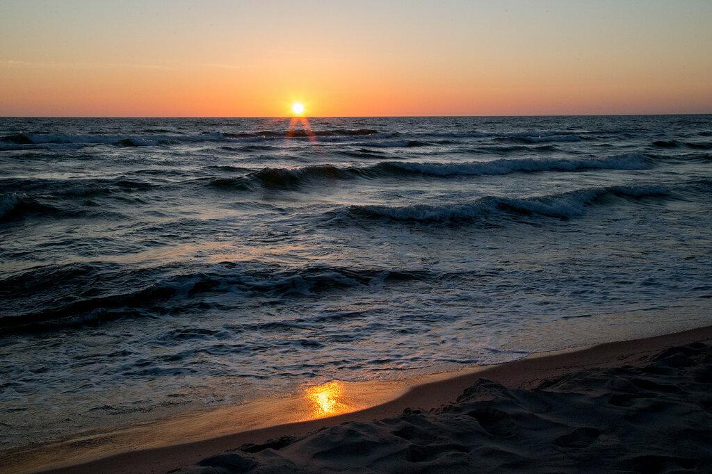 Фото моря и пляжа закат