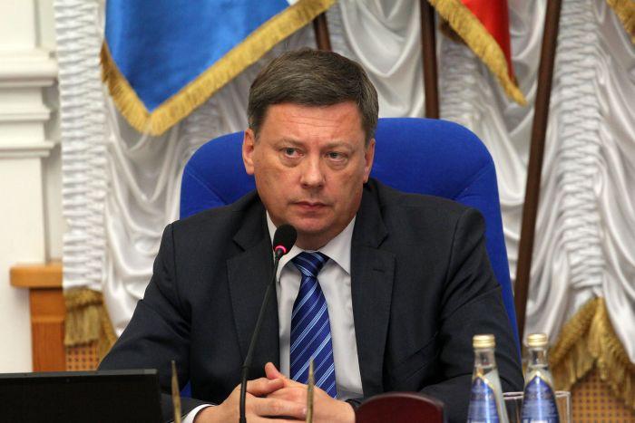 Мэр Самары Олег Фурсов подал в суд на поэта Александра Гутина
