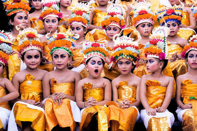 Khairel Anuar Che Ani, Malaysia. Open Competition; Split Second. Young girls wait for their turn to