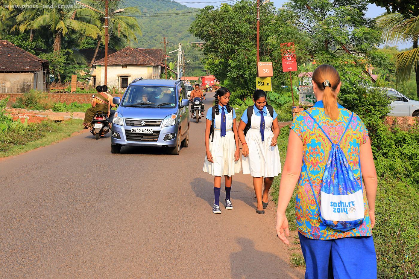 Фотография 2. Результат фотоохоты на улицах Гоа из-за спины супруги. Поездка в Индию дикарями (24-70, 1/200, 0eV, f9, 70mm, ISO 100)