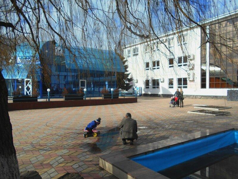 В день февральский, площадь у ДК ... DSCN3929.JPG
