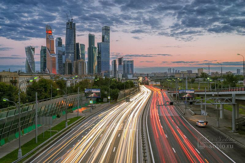 Москва-сити. Третье транспортное кольцо. Вечер