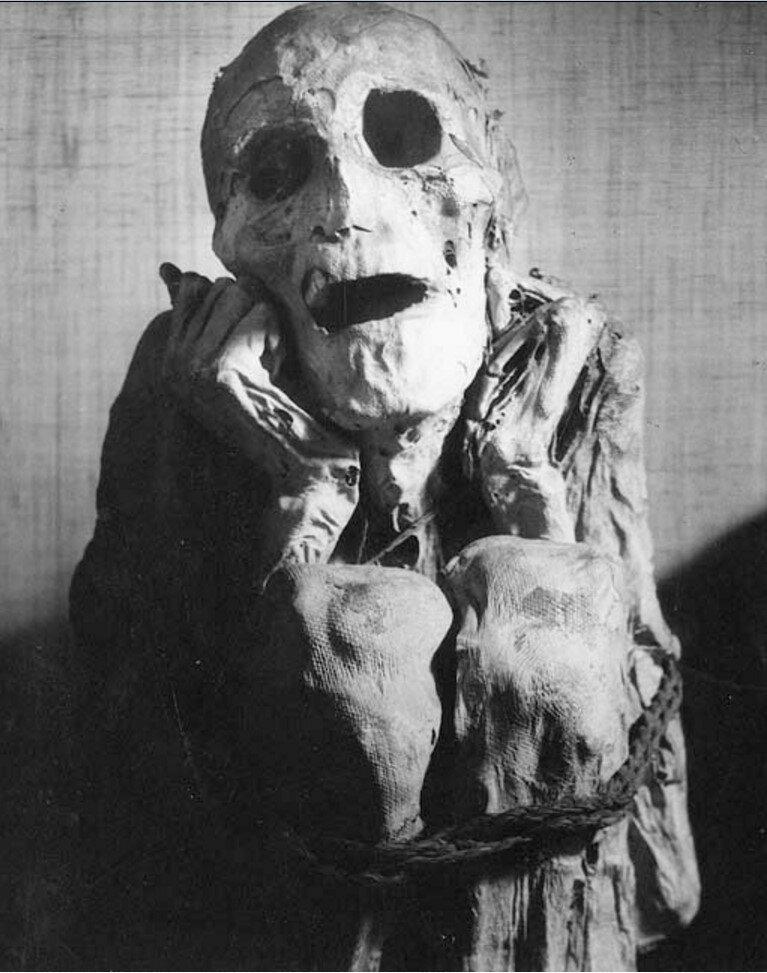 1932. Перуанская  мумия
