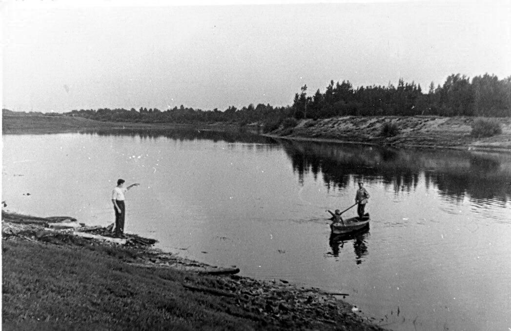 1961. На реке Чагодоща у бань