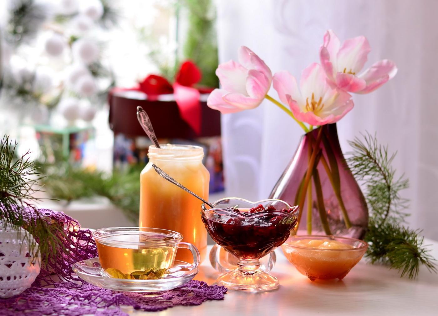 Чаепитие  с гостинцами..)))