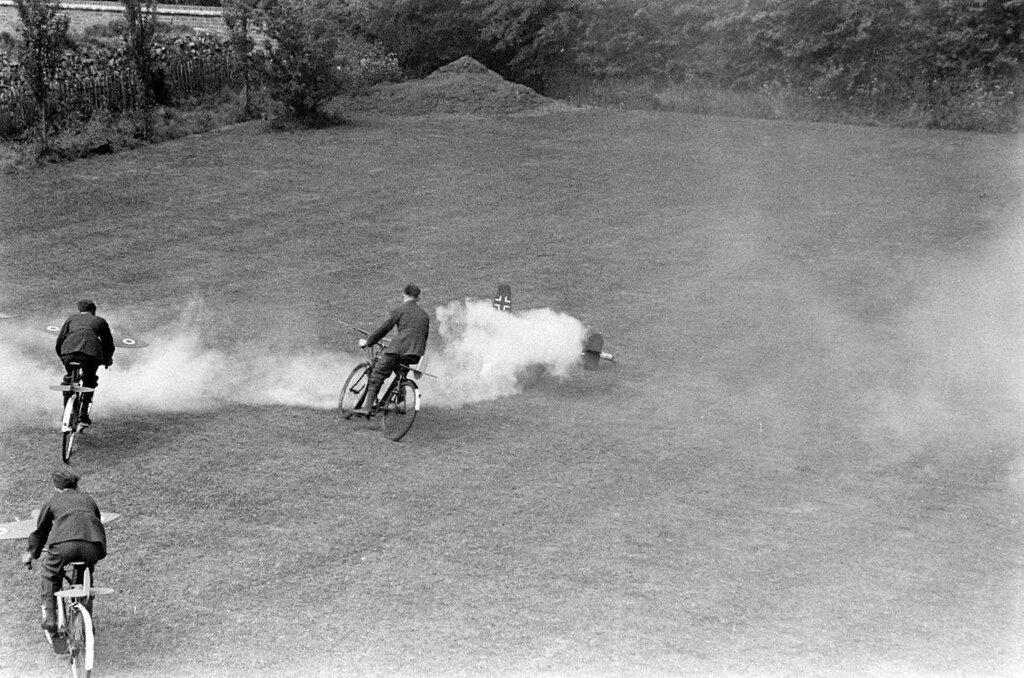 AIR ENTRAINEMENT - 1942 8.jpg