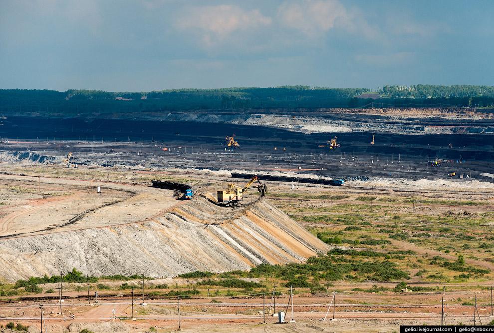 4. Глубина залегания угля составляет не более 100 метров, при этом толщина пласта достигает 45 метро