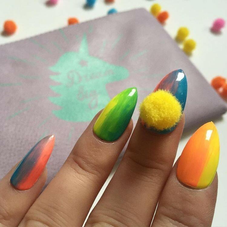 ногти-с-помпонами-pom-pom-nails-фото10.jpg