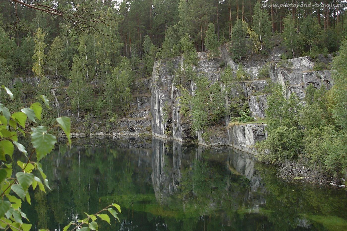 Снимок 4. Бажовский парк. Карьер Тальков камень. Под водой скрывается много интересного