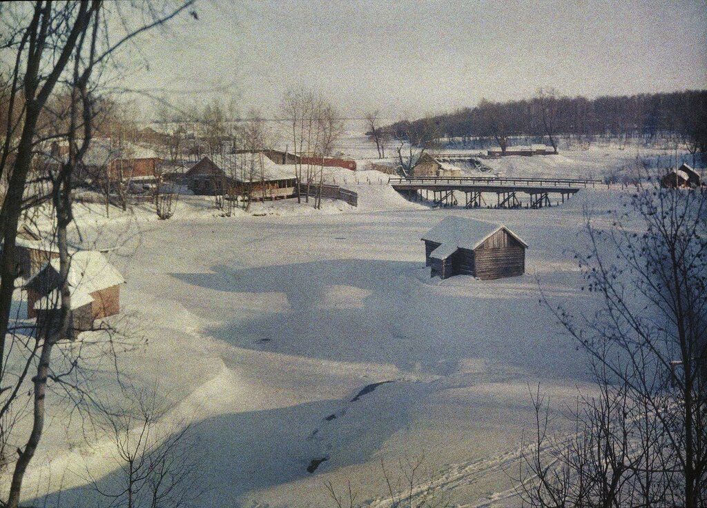 1908-1915 Яуза. У моста на Осташковской дороге. С.В.Челноков2.jpg