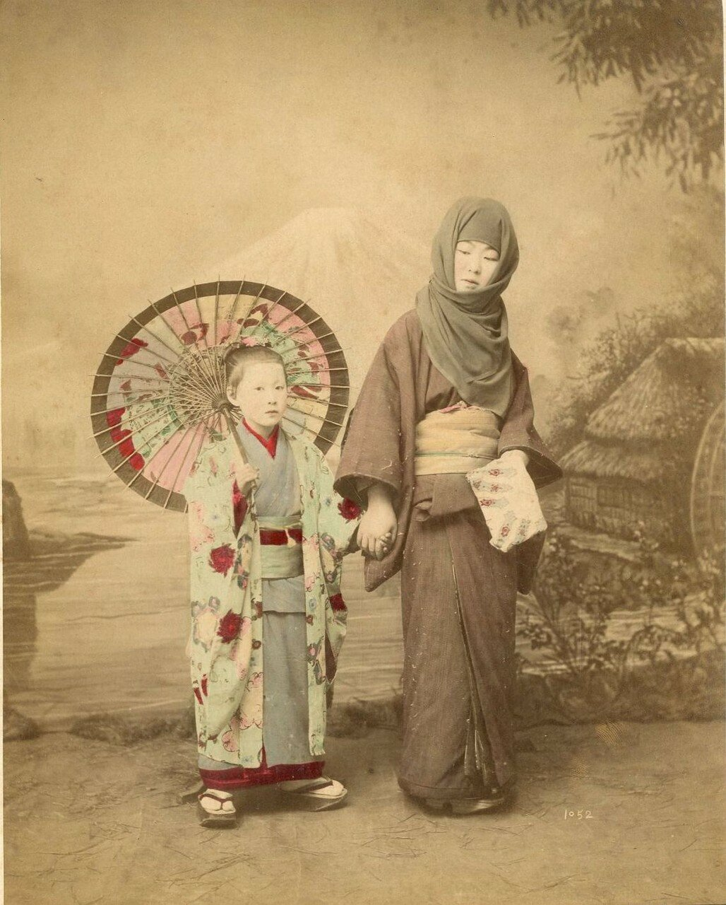 Женщина с девочкой