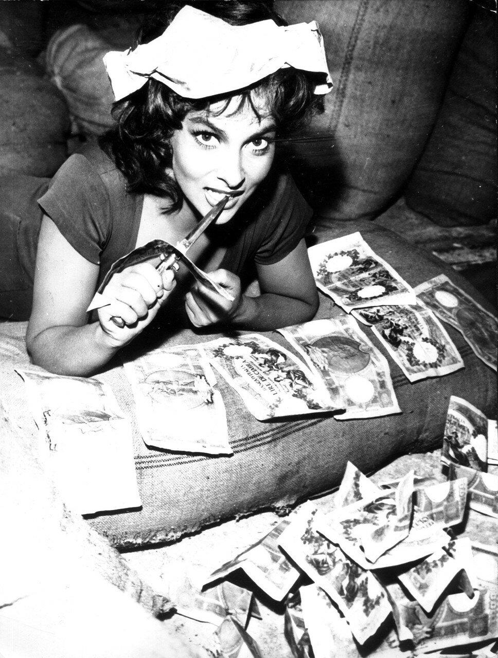 Gina LOLLOBRIGIDA im Film 'Das Gesetz', 1958