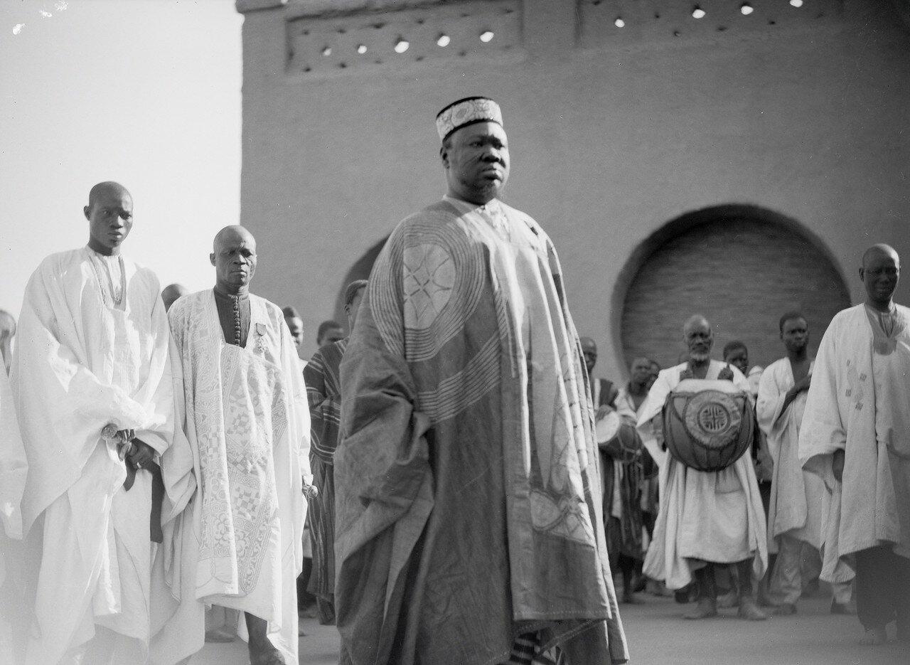 Король мосси в окружении своих вождей на новогоднем приеме