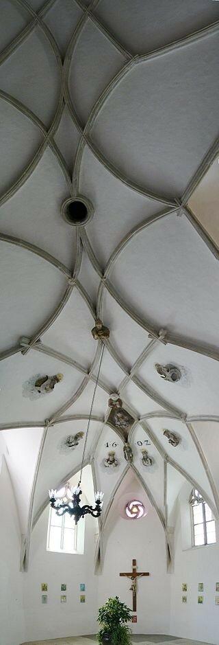 Vault_in_Saint_Wenceslas_chapel_in_Znojmo.jpg