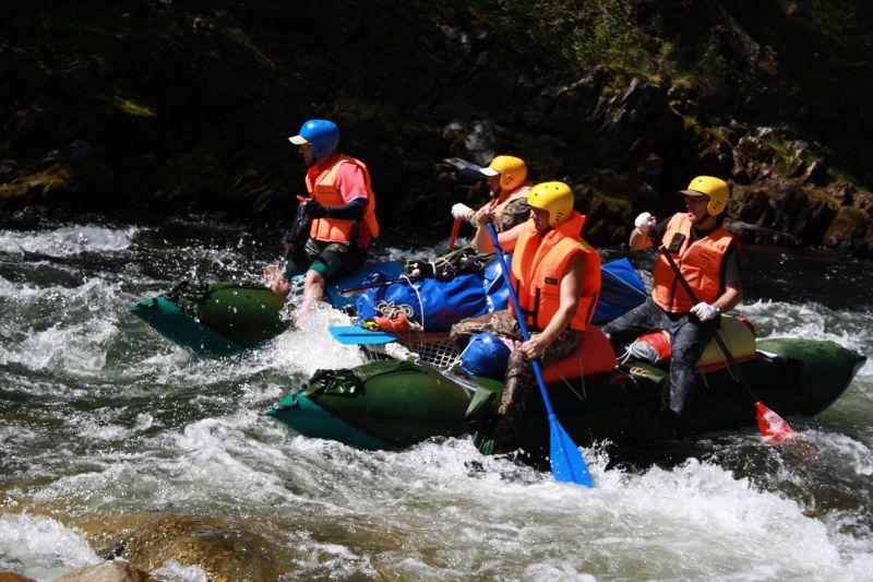 Река Кантегир дарит отличный отдых, сплав, хорошее настроение