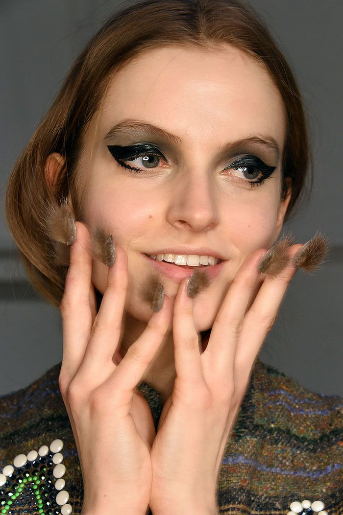furry-nails-пушистые-ногти-фото-маникюр.jpg