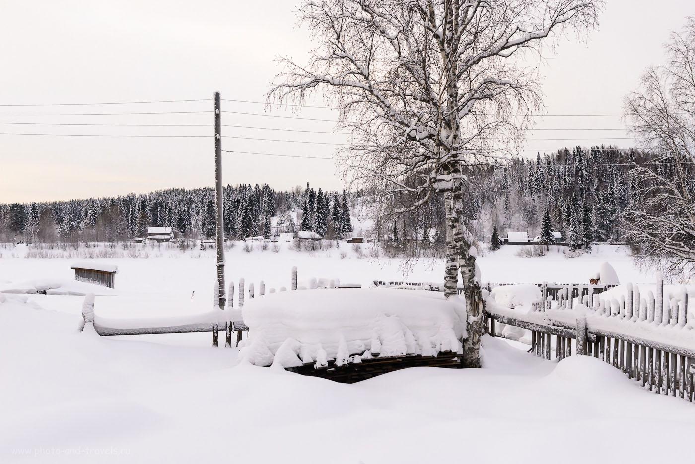 21. Вид на деревню Бахари зимой. Сюда нужно добраться, чтобы попасть на Полюд. Дорога на Ветлан проходит тоже через это поселение. 1/640, 8.0, 1000, 48.