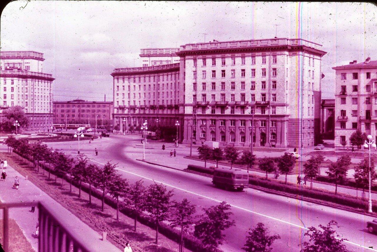 Ленинград. Комсомольская площадь