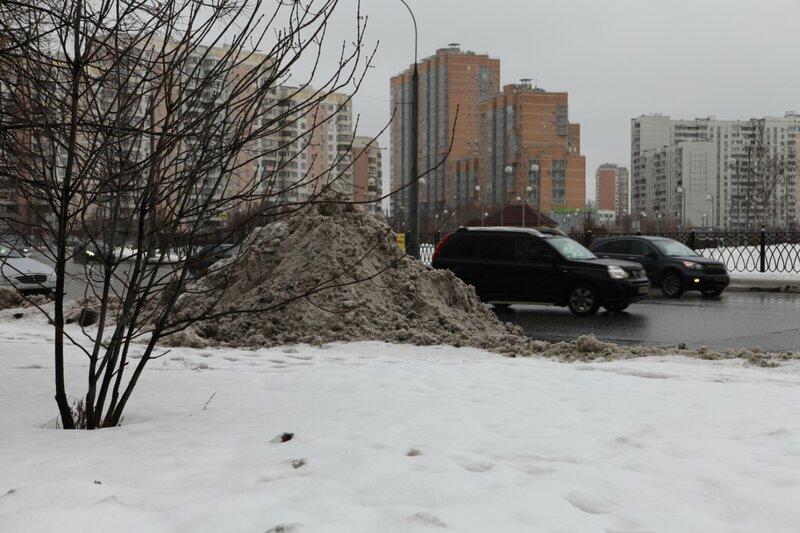 Начал таять снег