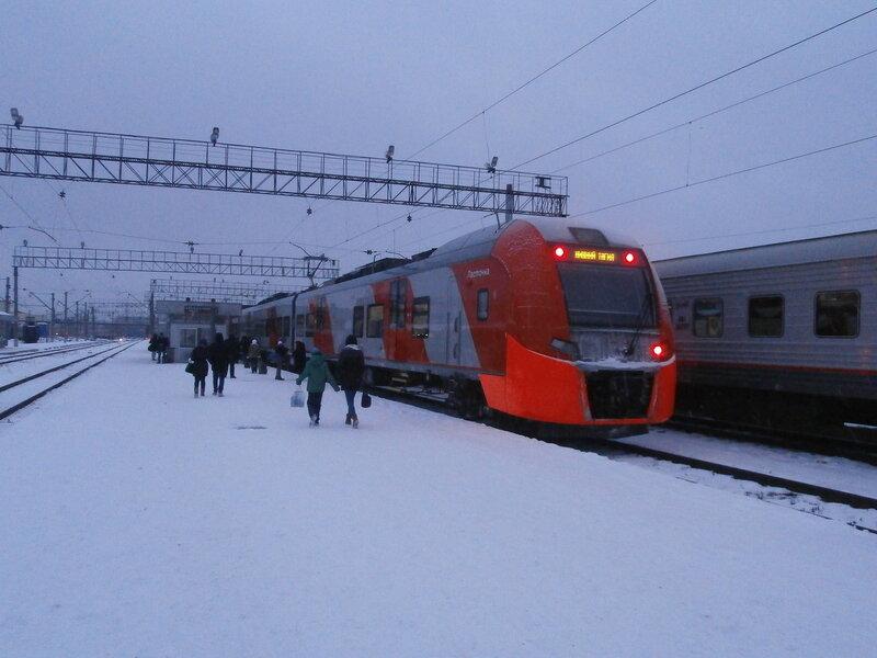 Электропоезд ЭС2Г-001 № 7069 (2)
