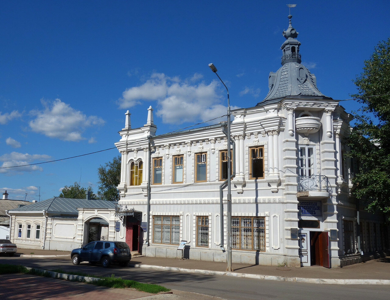 бывший дом купца Мельникова