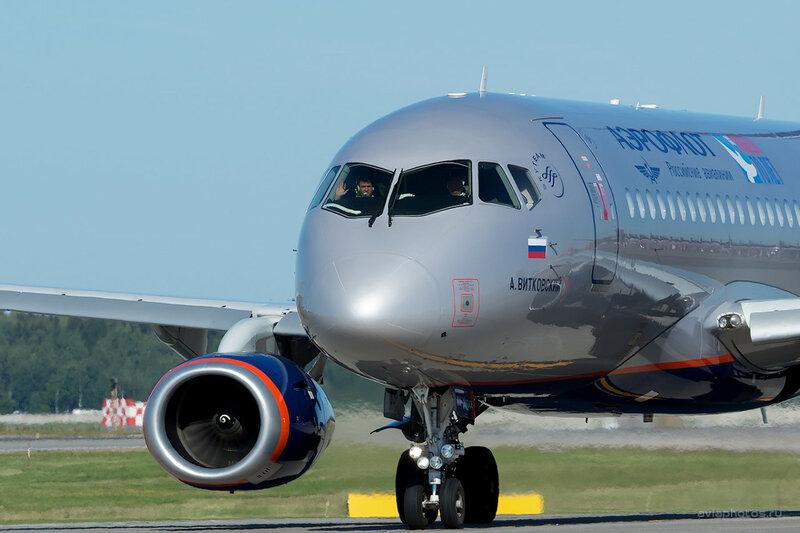 Сухой SSJ-100-95Б (RA-89044) Аэрофлот D800718