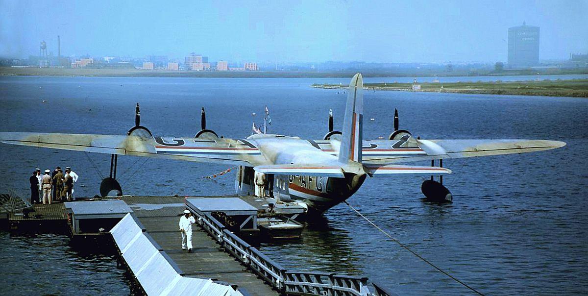 ShortEmpire-boat-NY-1942.jpg