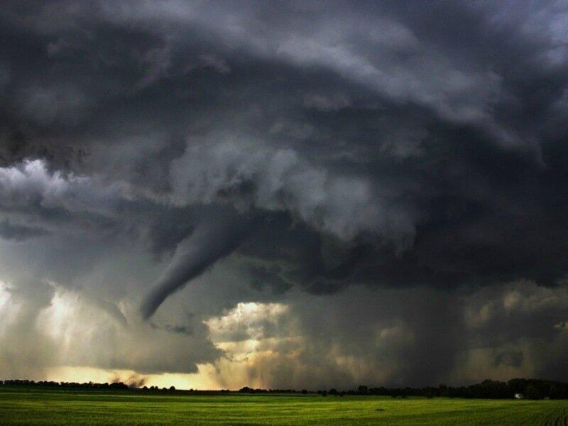 Фотографии сильнейших торнадо года. Впечатляющие снимки природной стихии 0 13fc95 24996dc7 XL