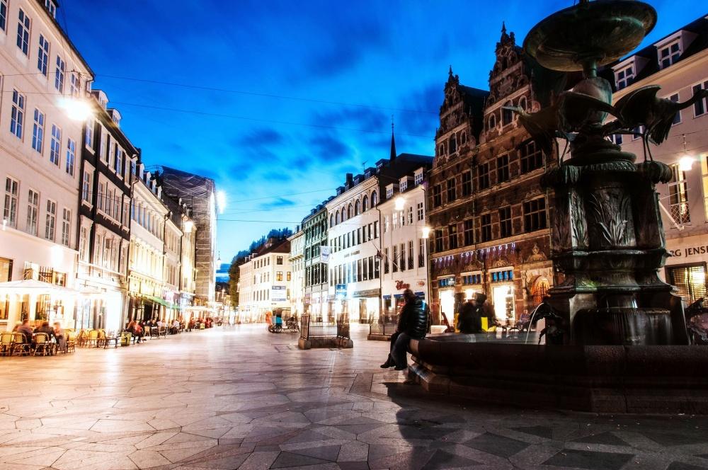 Копенгаген— город ссамым маленьким количеством автомобилей вЕвропе. Все потому, что в1960-е годы