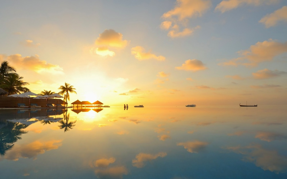 1190 островов иатоллов Мальдивского архипелага находятся полностью науровне моря (самая высокая то