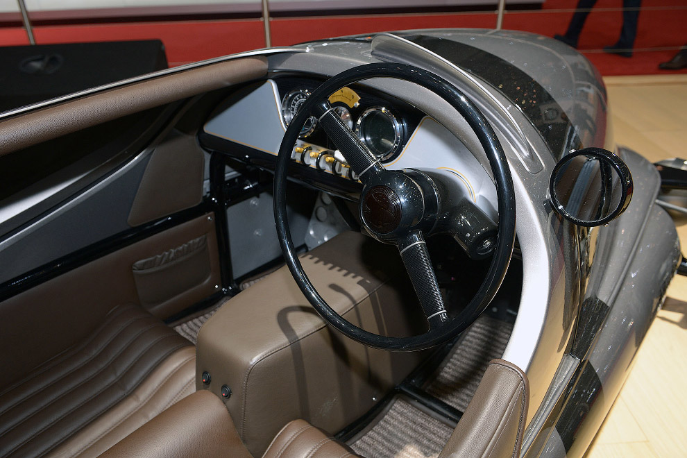 Aston Martin DB11 29. Совершенно новый Астон Мартин. Aston Martin DB11 — дальнейшее развитие зн