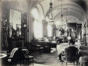 Арсенальная галерея в доме И.Ф. Паскевича на Английской набережной.