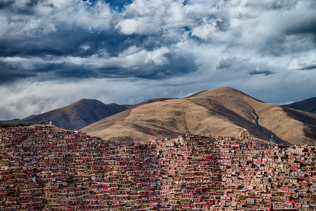 Attila Balogh, Hungary. Open Competition; Architecture. Larung Gar, home to 40,000 Buddhist monks in