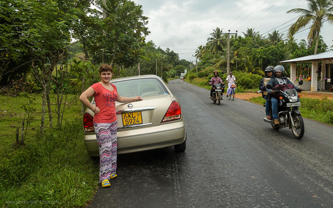 Фотография 2. Где бы вы ни были на Шри-Ланке, вы всегда привлекаете внимание местного населения. Отчет о том, как из Хиккадувы мы добрались на экскурсию в Форт Галле.