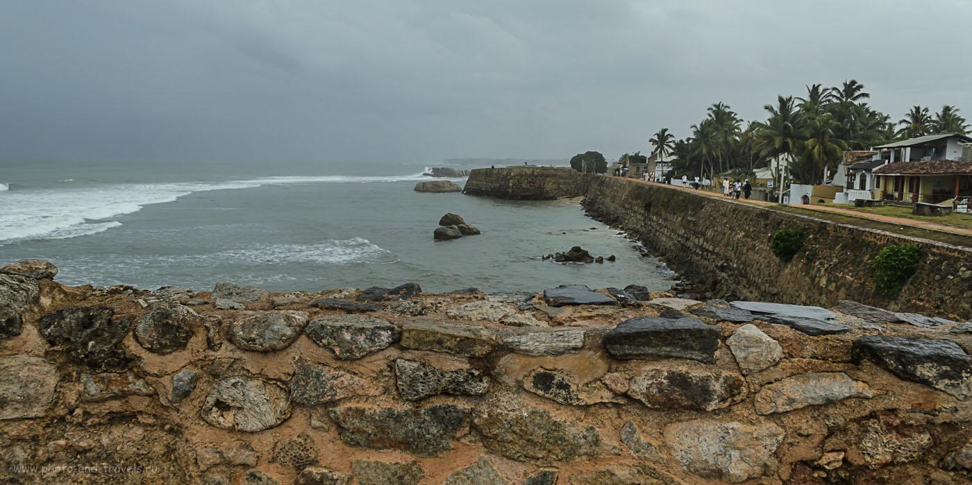 """Фотография 12. Виды на Индийский океана со стен Форта Галле (Fort Galle). Если задумываетесь, стоит ли из Хиккадувы ехать сюда на экскурсию, отвечу: """"Без сомнения""""!"""