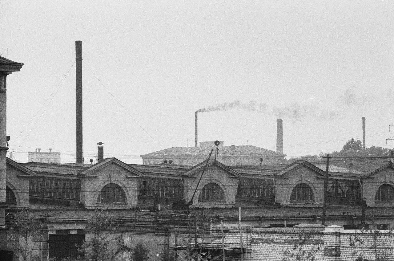 31. Вид из поезда на угол Витебского проспекта и Рощинской улицы