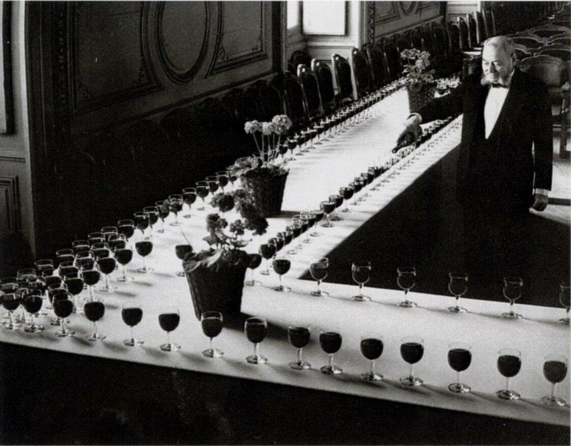 1952. Сомелье, Париж.