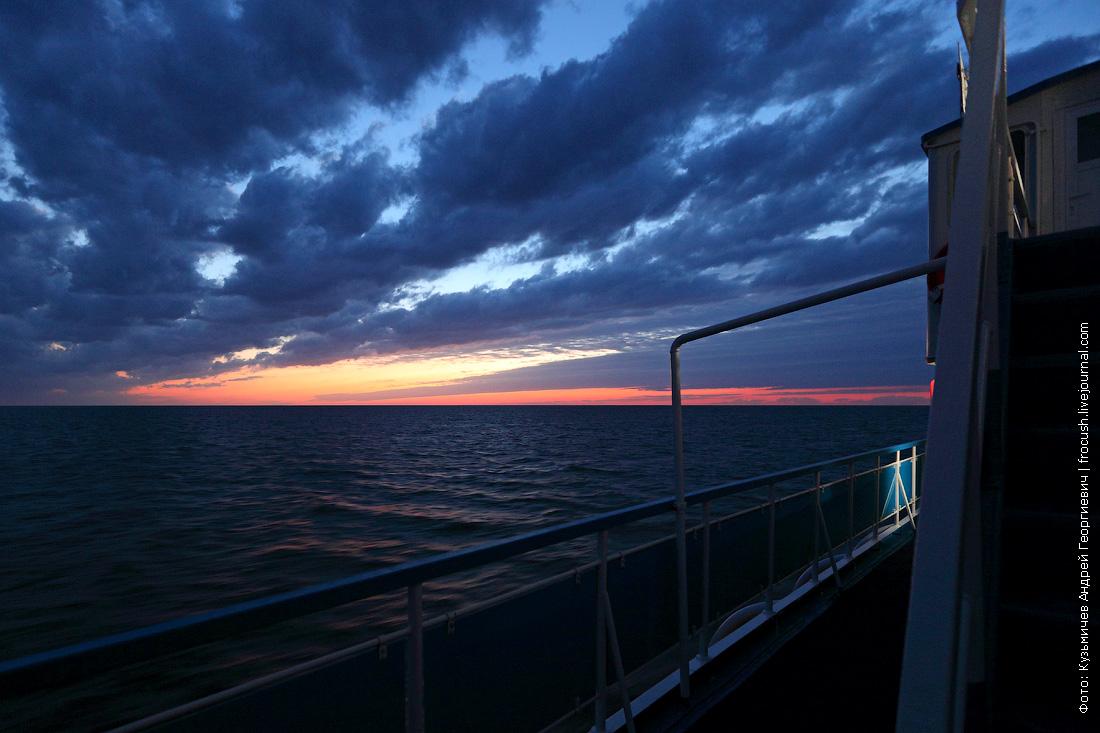 теплоход Русь Великая на закате в Каспийском море
