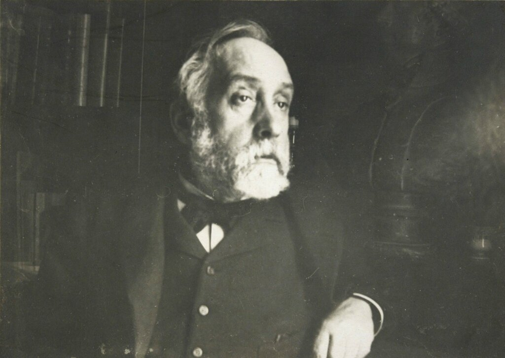 Edgar_Degas_self_portrait_photograph.jpg