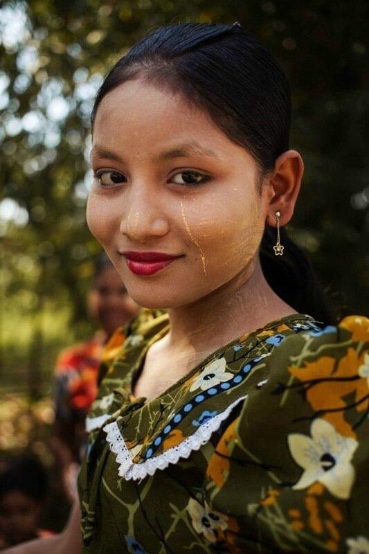 Михаэла Норок, «Атлас красоты»: 155 фотографий красивых женщин из 37 стран мира 0 1c6208 ec4abf92 XL