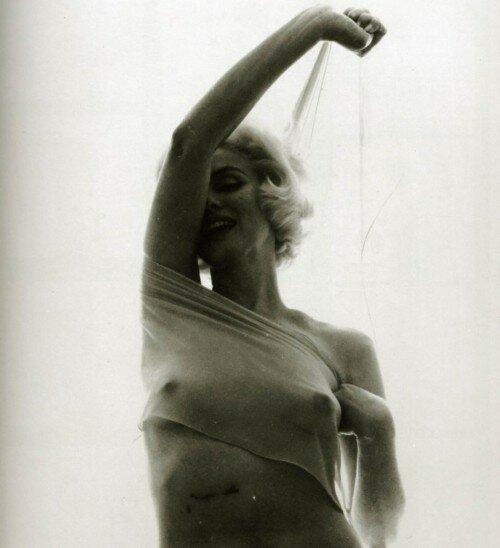 Скандальные фото обнаженной Мэрилин Монро 0 1ccdef 4a25f22e XL