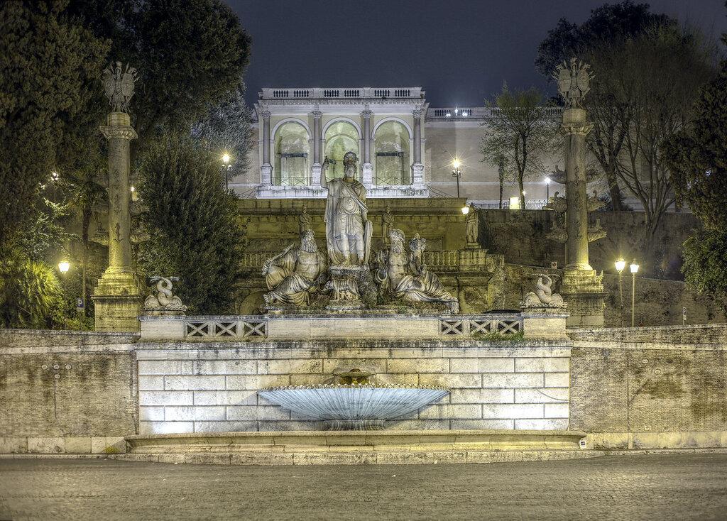 Ночной Рим. Пьяцца-дель-Пополо. Фонтан