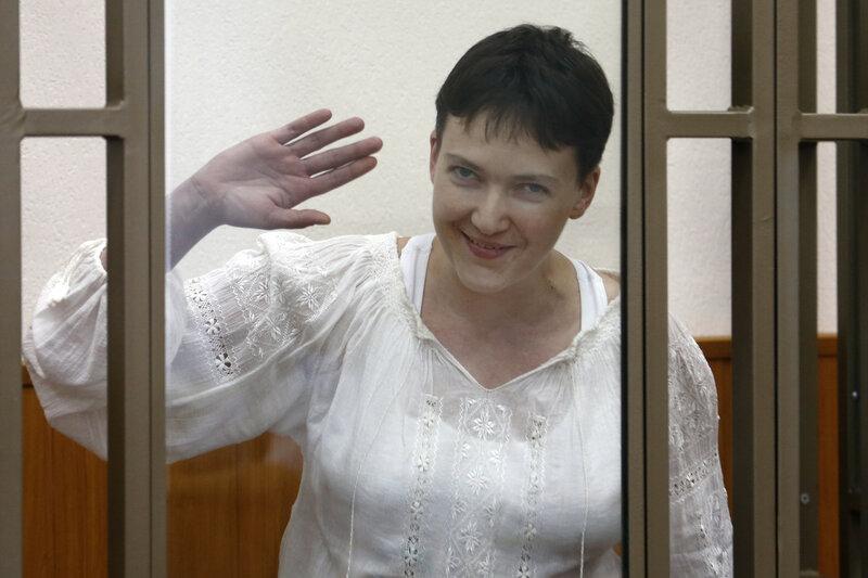Украинская летчица Н.Савченко дала показания по своему делу в Донецком суде