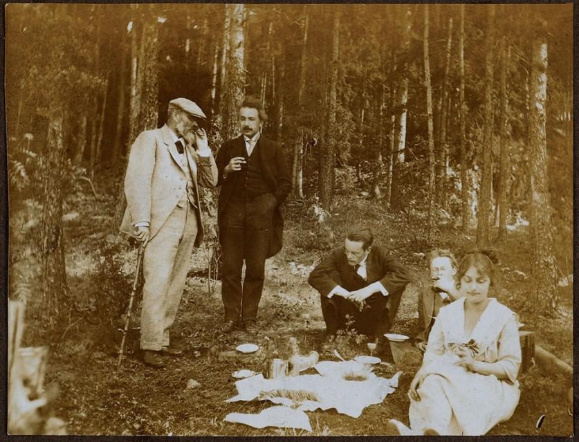 Небольшой пикник в пригороде Осло, 1920.