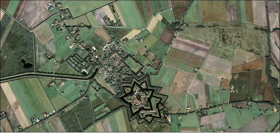 13. Форт в виде звезды в Нидерландах.