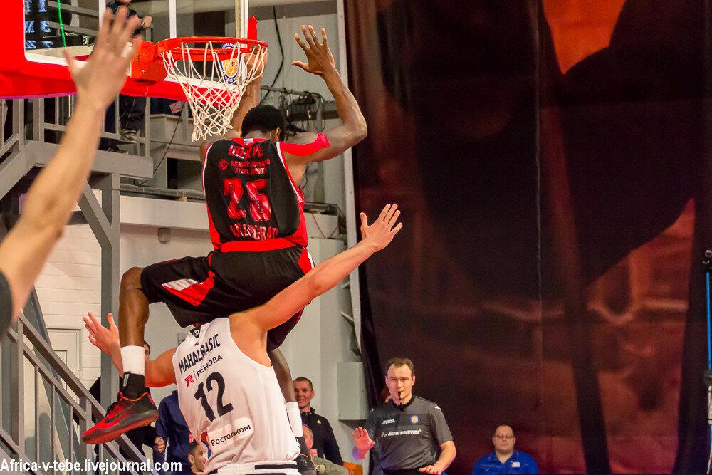 Basketball-10-03-9657.JPG
